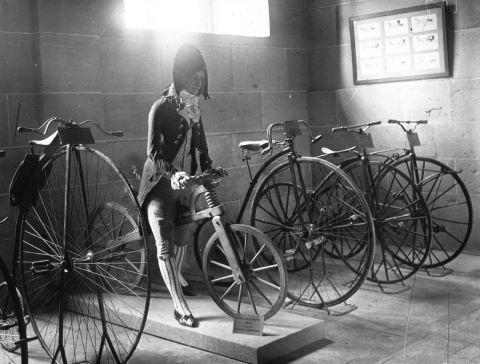 Le vélo et les monuments historiques