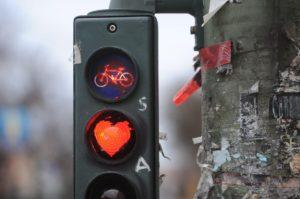 Feu rouge à Berlin (Allemagne) Photo Maurizio Gambarini. AFP